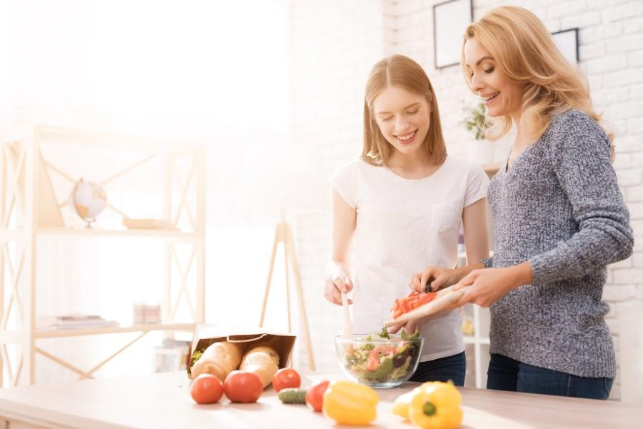 7 работи кои треба да ги направите со вашата ќерка