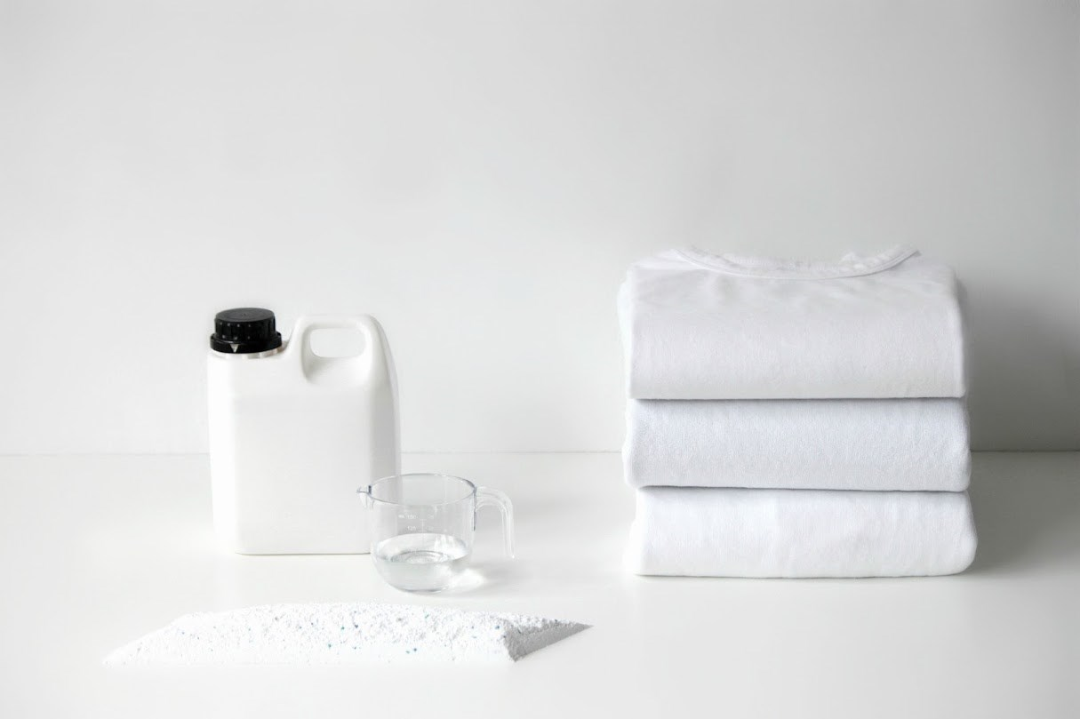 Едноставни начини за одржување на белата облека