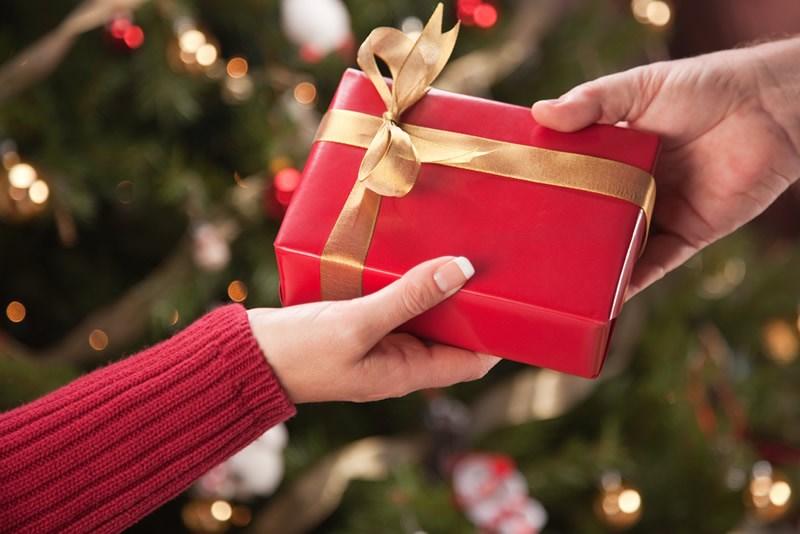 Идеи за новогодишни подароци за колегите на работа