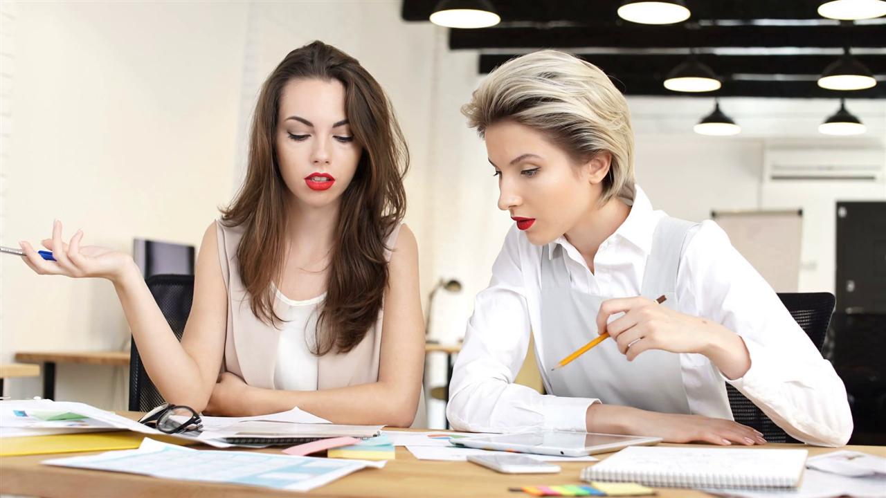 Forbes вели дека жените кои што поддржуваат други жени се поуспешни