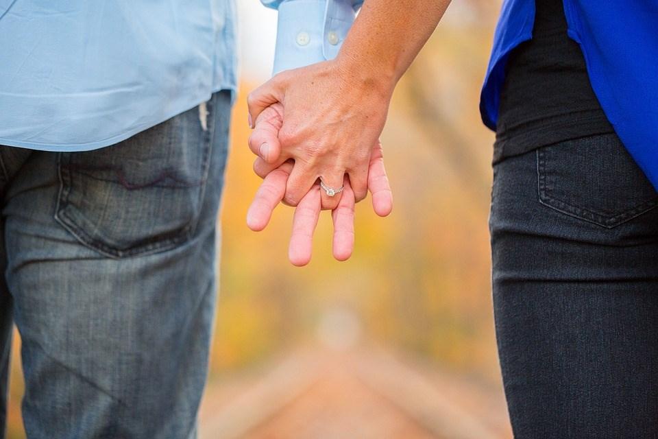 Откријте повеќе за вашата љубовна врска од начинот на кои ги држите рацете