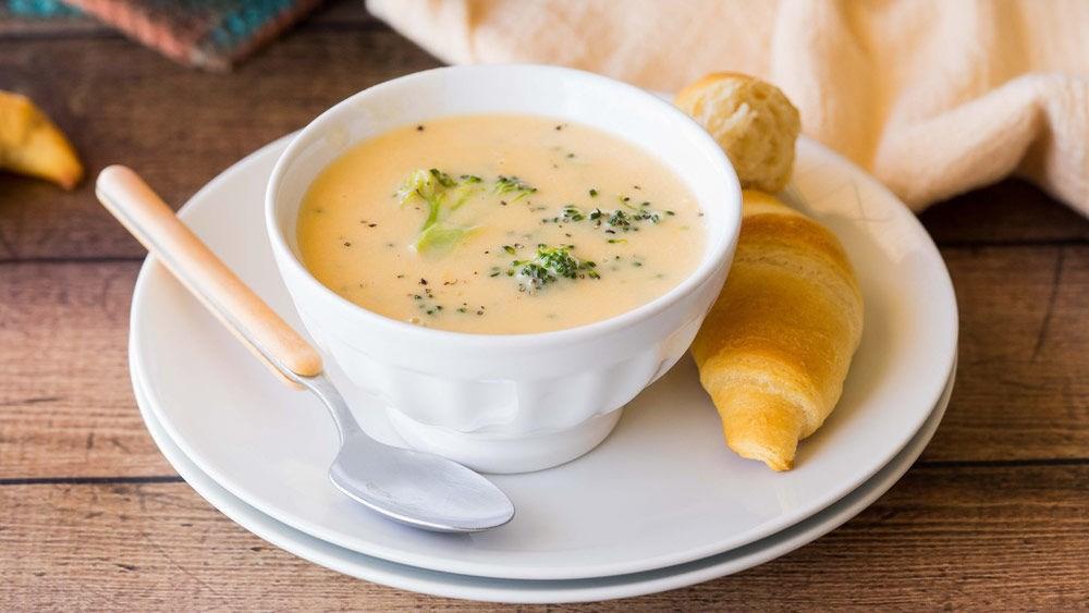 Супа со броколи и три вида кашкавал