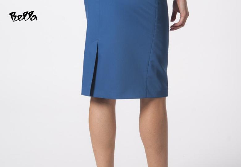 Ројал Блу, бојата на 2020 во пролетните модни парчиња на Bella: Здолниште Кајла