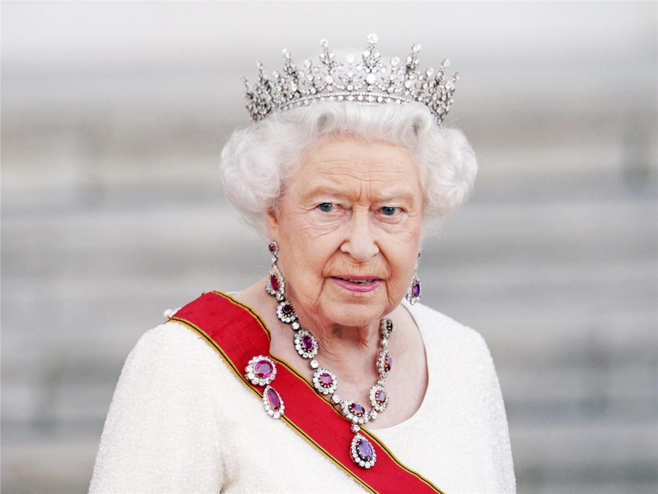 Кралицата Елизабета II на 92 години ја објави својата прва инстаграм фотографија
