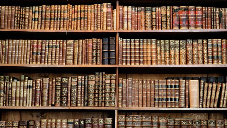 200 книги кои секој треба да ги прочита