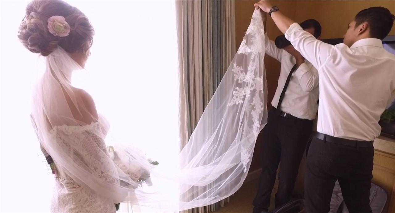 Неколку причини поради кои треба да размислите да го вклучите велот во вашиот свадбен стајлинг