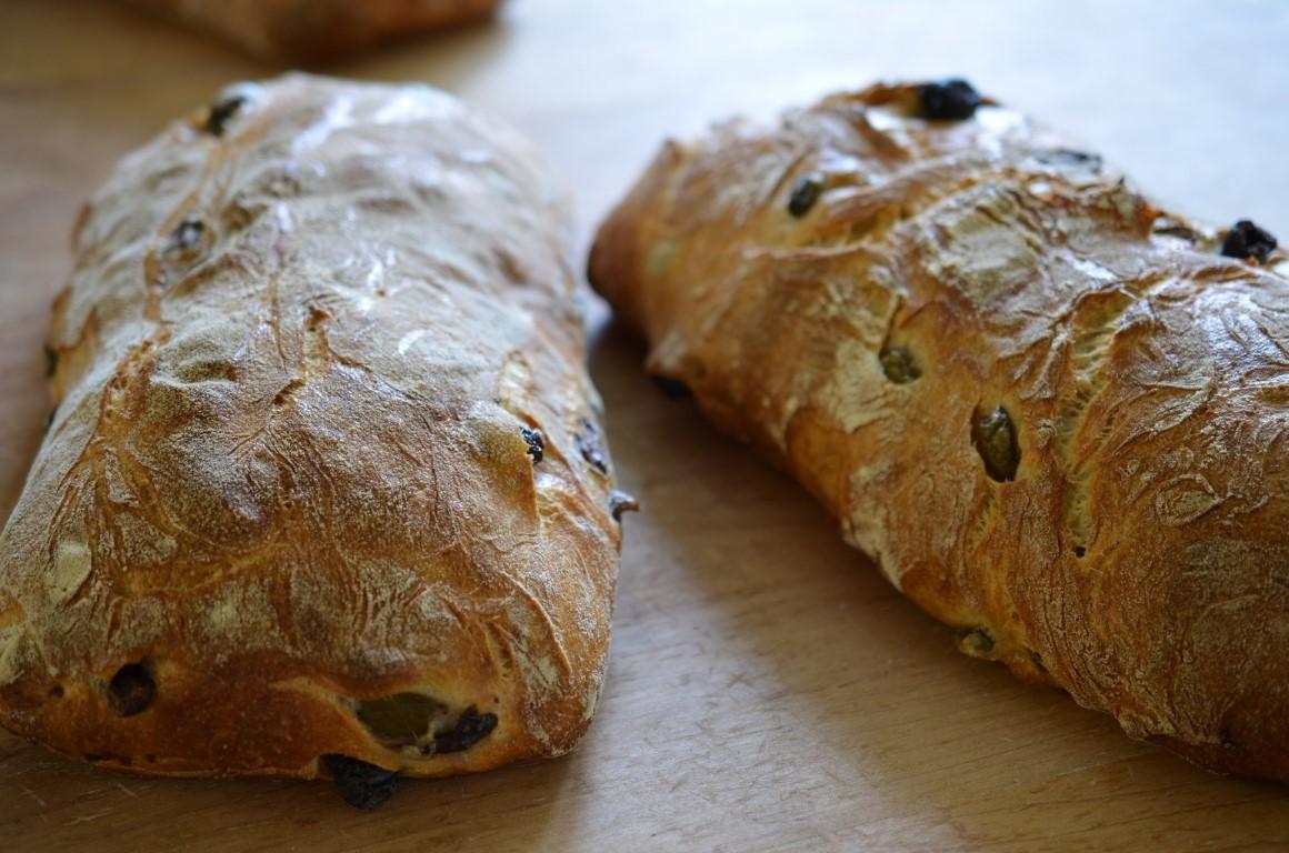 Леб со маслинки и маслиново масло