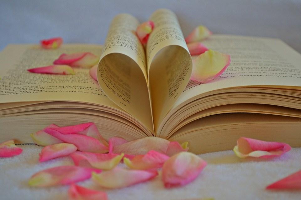 Романтични книги кои секоја жена мора да ги прочита