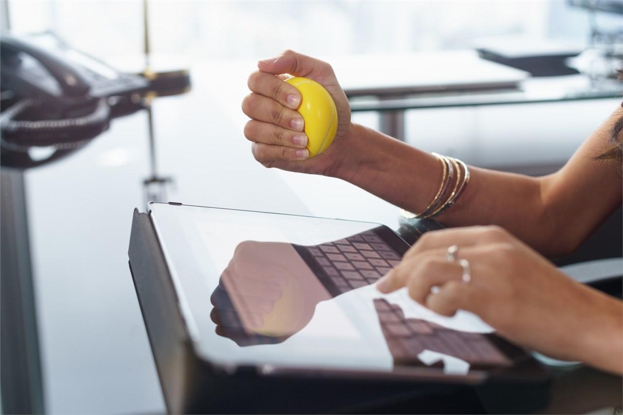 Stress-release предмети кои може да ги чувате на вашето биро