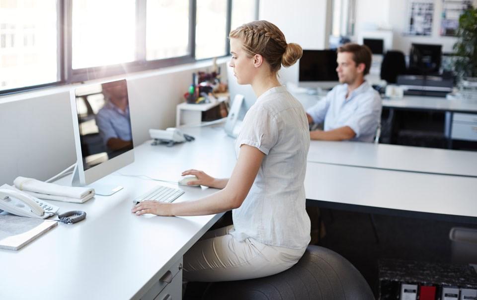 6 паметни вежби кои може да ги правите на работа